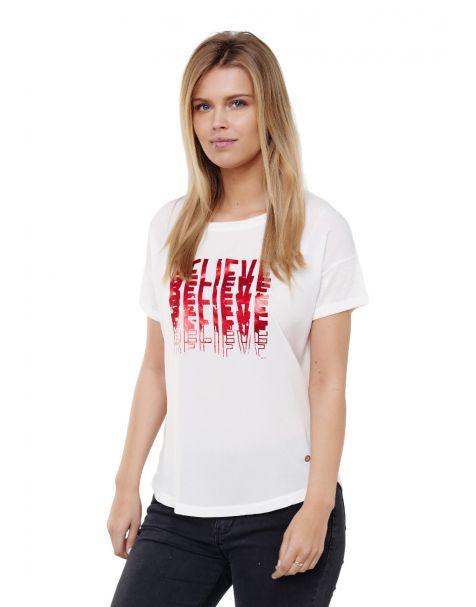 "Decay T-Shirt mit glänzendem ""BELIEVE"" Printmotiv-Weiß/Rot"